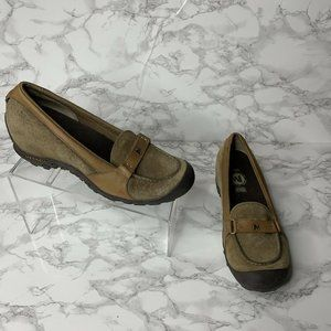 Merrell Womens Size 8.5 Plaza Glide Tan Loafers